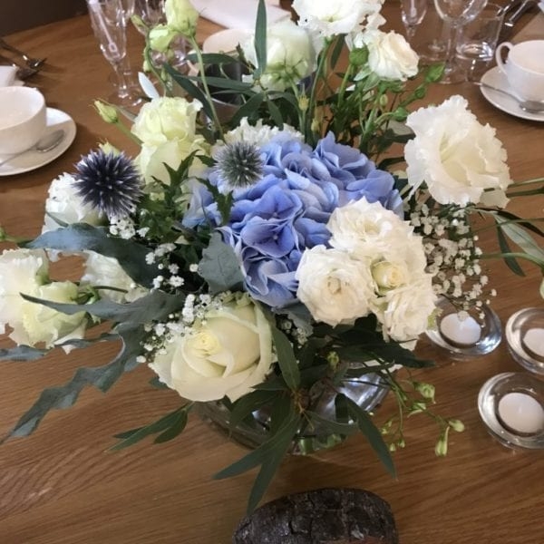 blue and white summer table centre